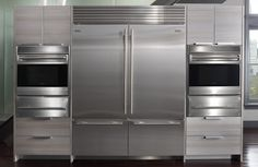 Visit our Gold Level Sponsor Bradlee Distributors LUXURY APPLIANCE SHOWROOM, where you get hands on experience with all of our appliances. With over 30 years experience in the luxury appliance business, their product consultants will assist you in choosing the right ingredients for your dream kitchen.