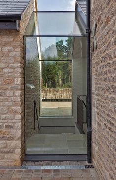 Contemporary barn conversion - contemporary - Exterior - London - Studio Mark Ruthven Space between House and Garage? Contemporary Barn, Modern Barn, Contemporary Building, Contemporary Apartment, Contemporary Wallpaper, Contemporary Chandelier, Contemporary Office, Contemporary Landscape, Contemporary Bedroom