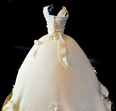 Cute Daisy Wedding Gown Cake from Judy's Cakes.