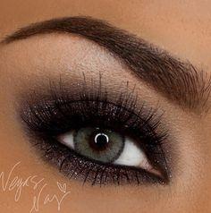 Dark & sexy eye shadow