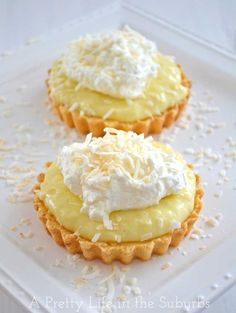 These Coconut Cream Tarts with a Shortbread Cookie Crust are simple to make, and are SO delicious! This recipe makes 6 - 3 inch tarts, or 1 inch tart. Coconut Recipes, Tart Recipes, Sweet Recipes, Baking Recipes, Coconut Desserts, Mini Desserts, Easy Desserts, Delicious Desserts, Yummy Food