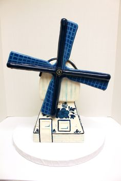 A cake that doubles as an energy source? We'll take one every day! Something Old, Custom Cakes, Windmill, Fondant, Sculpting, Icing, Urban, 3d, Creative