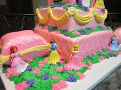 disney princess cakes | MoniCakes: Disney Princess Castle Cake with Carriage and Pillow
