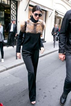 Kendall Jenner leaves the CHANEL Cambon office building in Paris on Oct. 4, 2015.