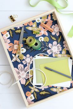 Learn how to make this simple, practical and beautiful DIY fabric lined wood tray! This is perfect for summer entertaining.