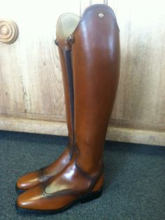 Here are a pair of Konig Excelsiors we got in for a customer. In love with the entire boot! Equestrian Outfits, Equestrian Style, Equestrian Fashion, Riding Gear, Riding Helmets, Dressage Saddle, Rider Boots, Custom Boots, Hunter Jumper