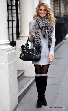 Light grey sweater dress, leopard scarf, tights and boot socks with gorgeous black knee boots. Love everything but the leopard scarf. Would look great if the scarf was a different color. Fashion Moda, Look Fashion, Womens Fashion, Fall Fashion, Fashion Beauty, Looks Street Style, Looks Style, Fall Winter Outfits, Autumn Winter Fashion