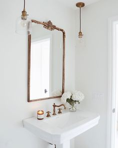 Simple and Elegant Bathroom Pendants & Mirror powder room Style At Home, Style Blog, Home Design, Interior Design, Design Ideas, Simple Interior, Design Hotel, Plan Design, Luxury Interior
