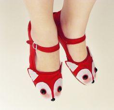 Rotfuchs Schuhe  Fox Gesicht Mary Janes  Größen 5 6 von emandsprout, $28.00