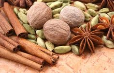 HerbMentor - Susan Weed on Cinnamon, Cardamom, and Nutmeg - incl. nutmeg toddy for insomnia Ard Buffet, Pitta, Light Recipes, Health Remedies, Natural Remedies, Herbalism, Almond, Herbs, Homemade