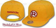 Redskins ALT 'THROWBACK-BASIC SNAPBACK' Gold Hat by Mitchell