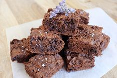 Recipe: Nut Butter & Sea Salt Brownies by JS Health (your zen life) Healthy Dessert Recipes, Sweets Recipes, Brownie Recipes, Healthy Treats, Delicious Desserts, Healthy Cookies, Healthy Appetizers, Healthy Dishes, Clean Recipes