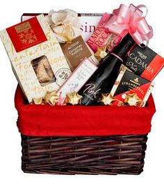 Wedding Anniversary Gifts Online Chennai : 1000+ images about online Gift combos shop on Pinterest Gift hampers ...
