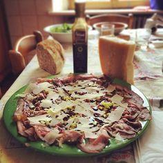 Roastbeef con #parmigianoreggiano e #acetobalsamicomodena - Instagram by macelleriaorsi