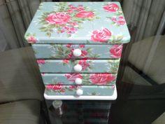 Porta jóias em mdf pintura + decoupage