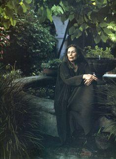 JONI MITCHELL Annie Leibovitz - Women