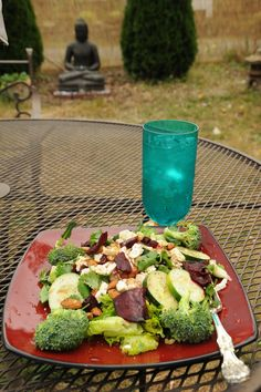 wikiHow to Eat Properly -- via wikiHow.com