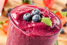 Having smoothies as an addition to a meal can be scary. Nobody wants too many ca… Having smoothies as an addition to a meal can be scary. Nobody wants too many calories. These Banana based meal replacement Smoothies recipes will thrill Fruit Smoothies, Carrot Smoothie, Breakfast Smoothies, Morning Smoothies, Smoothie Detox, Fruit Juice, 10 Day Detox Diet, Berry Good, Fertility Smoothie
