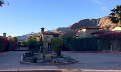 Palm Springs Vacation 2015  #vacationideas  The perfect backdrop for a morning run.