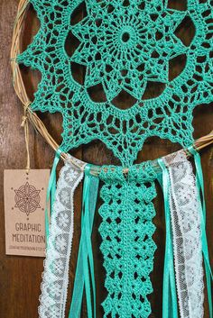 Doily Dreamcatcher 8 Turquoise Crochet Boho by graphicmeditation Sun Catchers, Doily Dream Catchers, Dream Catcher Craft, Crochet Home, Crochet Crafts, Crochet Doilies, Crochet Projects, Doily Patterns, Macrame Patterns