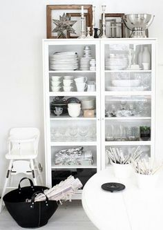 glass cabinet with tableware - via SWEET HOME - cabinet organization Decor, Furniture, Home Decor Inspiration, Interior, Home Goods Decor, House Interior, Home Deco, Home Kitchens, Home And Living