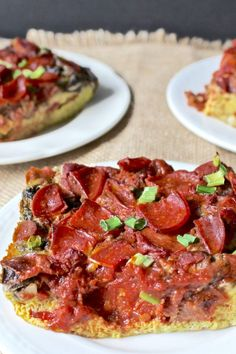 This Paleo Breakfast Pizza Quiche has all the flavors you love about pizza, but made to be eaten at breakfast…or anytime of day. Hearty and delicious while being Whole30, gluten free, and dairy free. #paleopizza #paleoquiche #paleo #glutenfree #healthy #easyrecipe #dairyfree | realfoodwithjessica.com @realfoodwithjessica Clean Eating Breakfast, Breakfast Pizza, Paleo Breakfast, Breakfast Recipes, Best Paleo Recipes, Whole 30 Recipes, Real Food Recipes, Paleo Quiche, Paleo Pizza