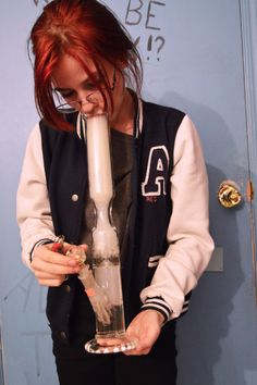 dabcandycannabis: New bong in practice Bubbler Pipe, Online Head Shop, 420 Girls, Pipes And Bongs, Dab Rig, Hand Pipes, Stoner Girl, Glass Pipes, Cannabis Oil