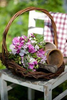 In the garden - Ana Rosa