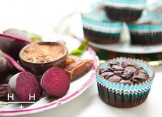These rich and moist little chocolate fudge cakes can turn even the most avid hater of beetroot and take the idea of a healthy treat to another level. Whole beetroots are sweetened with sticky dates and we make them gooey using full fat butter. Paleo Dessert, Healthy Desserts, Dessert Recipes, Healthy Recipes, Healthy Food, Healthy Cupcakes, Sweet Recipes, Hemsley And Hemsley, Gluten Free Soy Sauce