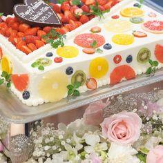 Easy Cake Decorating Themes And Ideas Pretty Cakes, Beautiful Cakes, Amazing Cakes, Deco Fruit, Fresh Fruit Cake, Easy Cake Decorating, Buttercream Flowers, Pastry Cake, Cream Cake