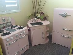Teamson Kids Modern Play Kitchen - Pink | Toy Room | Pinterest ...