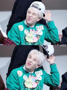 P.O actuando lindo durante una fansign - Block B en español Charlie Chaplin, Po Block B, Pyo Jihoon, B Bomb, New Journey, Rapper, Kpop, Boys, Korean Dramas