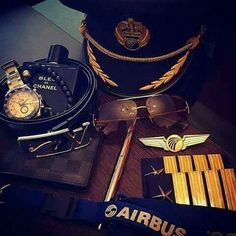 Pilot Quotes, Aviation Quotes, Plane And Pilot, Pilot Uniform, Airplane Wallpaper, Airplane Car, Airplane Window, Becoming A Pilot, Commercial Pilot