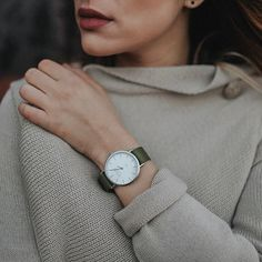 Never underestimate the power of red lipstick and the matching watch  #zizzowatches #myzizzowatch #watches #woman #beautiful #swissmade #zürich #switzerland #urban #time #fashionista #fashion #wooljersey #sweater #redlipstick #olivegreen #silver #beige #wind #autumn