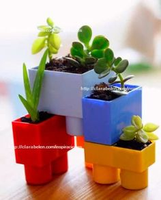 old jumbo lego blocks turned into planters? Potted Plants, Indoor Plants, Diy And Crafts, Crafts For Kids, Deco Nature, Lego Room, Deco Floral, Cactus Y Suculentas, Indoor Garden