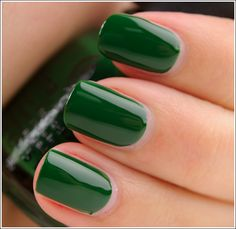 China Glaze Holly-Day  (Let It Snow collection-Holiday 2011) [C92]