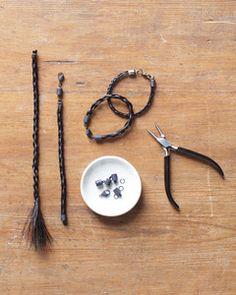 Horse Hair Bracelet, Horse Hair Jewelry, Horse Hair Braiding, Western Crafts, Horseshoe Crafts, Horse Crafts, Camping Crafts, Jewelry Crafts, Jewelery