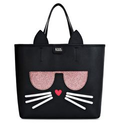Are you looking for Karl Lagerfeld women's K/KOCKTAIL CHOUPETTE SHOPPER? Discover all the details on Karl.com. Fast delivery and secure payment.