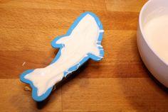 DIY White Chocolate Sharks For Shark Week! #SharkWeek #Recipe — The Queen of Swag!
