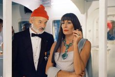 Still of Bill Murray and Anjelica Huston in The Life Aquatic with Steve Zissou