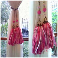 sujetadores para cortinas - borlas y colgantes decorativos | Belgrano | alaMaula | 109684882 Easy Crafts, Diy And Crafts, Arts And Crafts, Diy Tassel, Tassels, Rideaux Shabby Chic, Rideaux Design, Diy Keychain, Passementerie