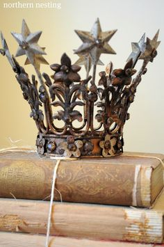 A Santos Crown, Ex Voto Hearts and a copy of Romantic Homes magazine Heart Crown, Romantic Homes, French Cottage, House And Home Magazine, Religious Art, Crowns, Feels, Shabby, Place Card Holders