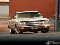 1011phr 01 O+1965 Chevy Chevelle+front