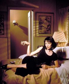 Uma Thurman promotional photo for Pulp Fiction. Disfraz Pulp Fiction, Film Pulp Fiction, Uma Thurman Pulp Fiction, Uma Thurman Movies, Quentin Tarantino, Christopher Nolan Quotes, Films Cinema, Cult Movies, Movie Posters