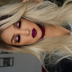 Today's look is kind of cranberry🍇🍒 makeup for autumn 🍁... and this wig  by @websterwigs is awesome...loved the shade and easy way to get it ready 💁 🔸lips have Hydra Matte Lipstick in WINE DOWN  by @gerardcosmetics 🔸Eyeshadow  FUDGE  by @anastasiabeverlyhills 🔸pigment 86 by @inglot_cosmetics 🎥This video tutorial will be on my YouTube channel in few moments ✔️SUBSCRIBE 👌 💖AMORES,  En  unos momentos mas este maquillaje estara en rl canal de YouTube,  la Peluca es de @websterwigs…