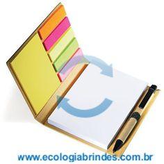 Bloco Papel Reciclado eco 032. Bloco de Anotações com capa em Papel Reciclado, 7 cores autocolantes com caneta reciclada. Contém: 01 Caneta Reciclada e 100 folhas. Dimensões do Bloco: 15 x 12 x 2 cm. Gravação: Incluso 01 cor. Cores adicionais, favor consultar.