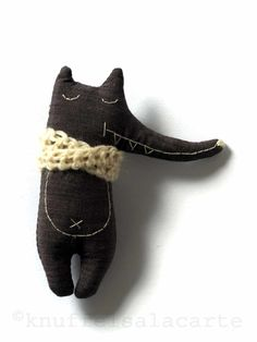 broche wolf soft toy