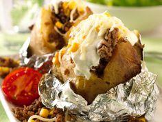 Cheesesteak, Baked Potato, Mashed Potatoes, Baking, Ethnic Recipes, Food, Whipped Potatoes, Smash Potatoes, Bakken