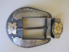 "8611 New Handmade DON ROGERS Two Piece 1 ½"" Belt Buckle Set Flowers and Leaves"
