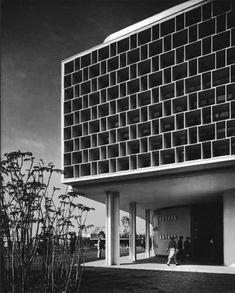 Niemeyer and Lúcio Costa. Brazil Pavillion   1939 World's Fair.